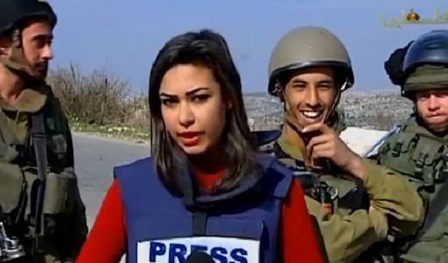 İsrailli askerler Filistinli muhabiri engelleyemedi