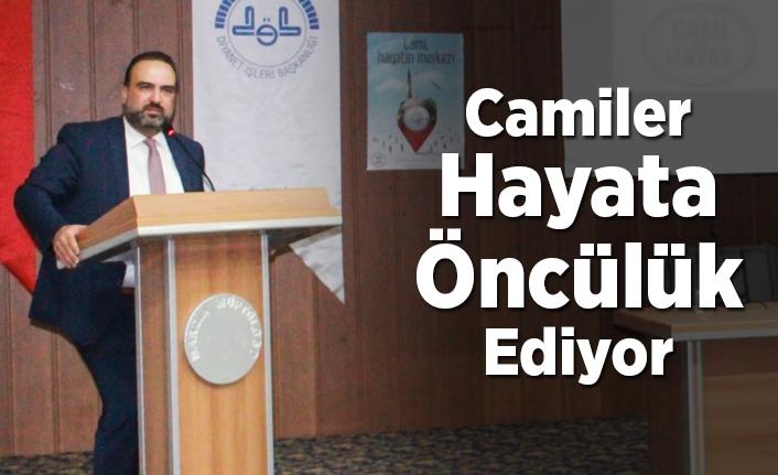 Dr. Fatih Kurt: Camiler hayata öncülük ediyor