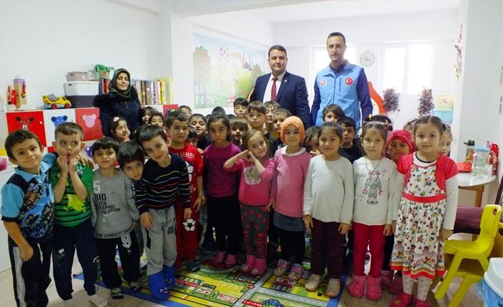 Minik öğrencilerden Kur'an seferberliğine destek
